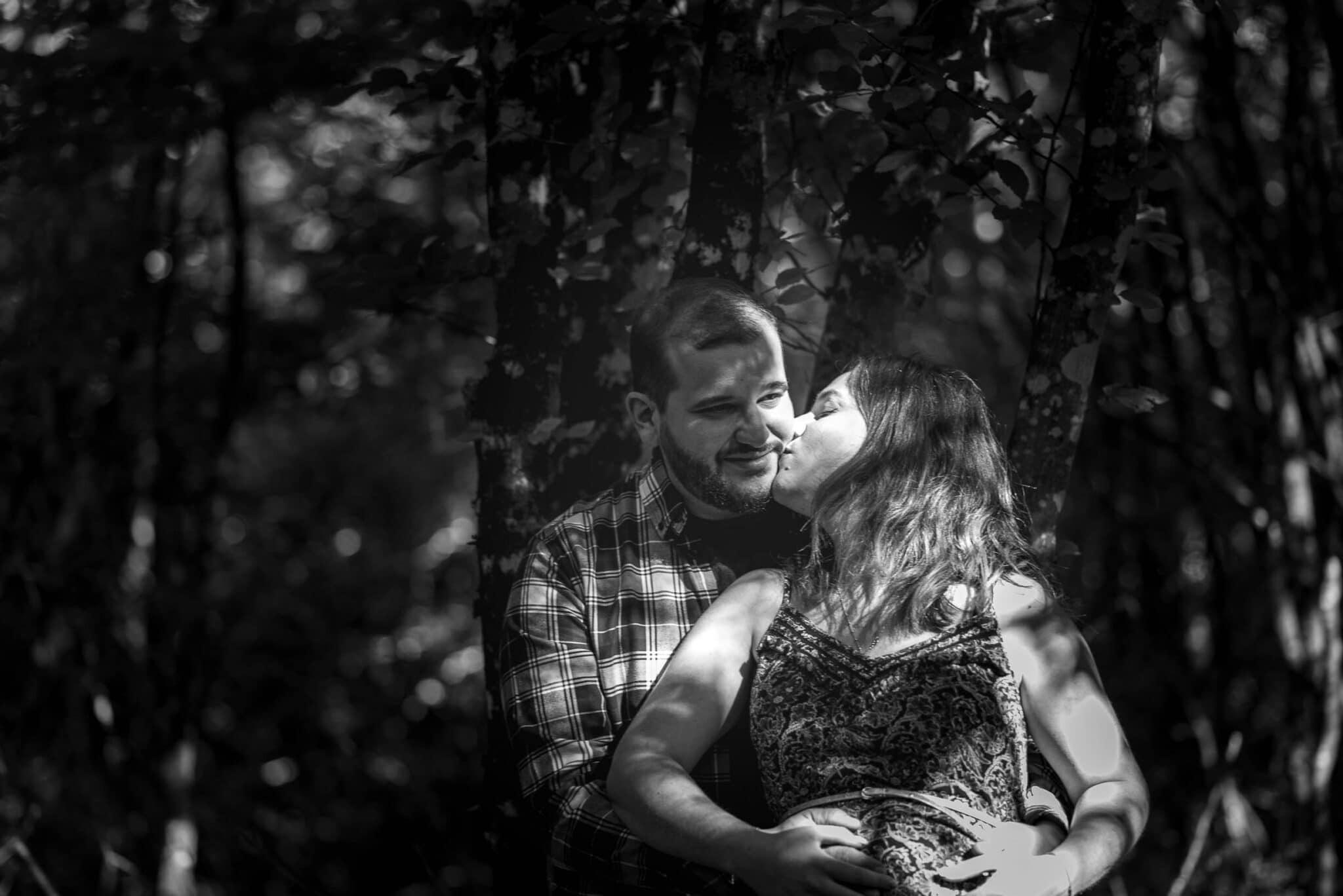 Cédrine et Benjamin dans la forêt de la Grésigne