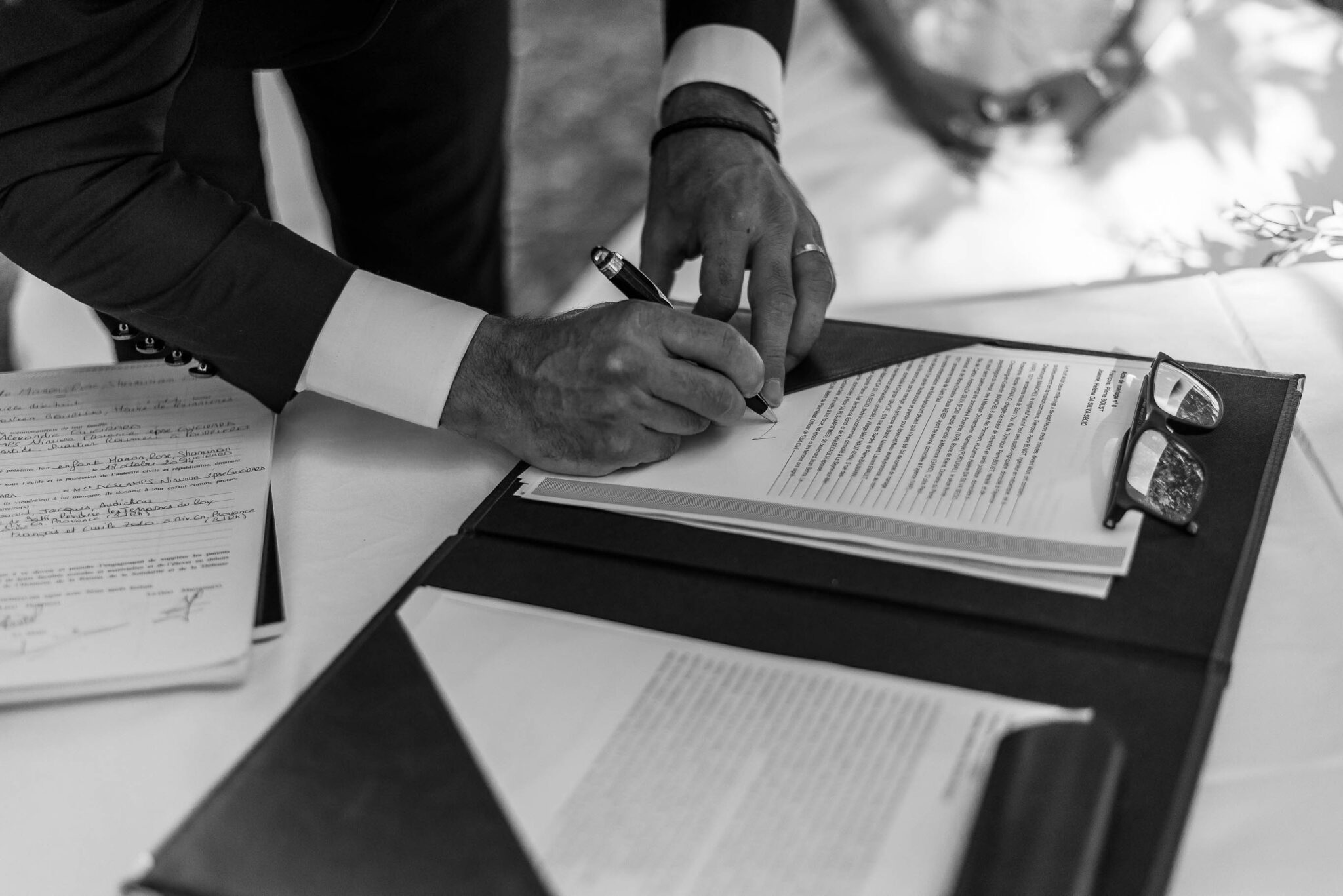 Signing the republican wedding
